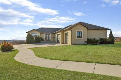 Minot ND Single Family Home For Sale: $589,900