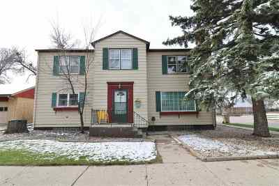 Minot Single Family Home For Sale: 919 W Central Ave