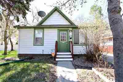 Single Family Home Contingent - Hi: 1115 University Ave W