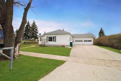 Single Family Home For Sale: 335 2nd Street NE