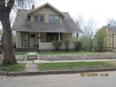 Single Family Home For Sale: 608 NE 9th Ave
