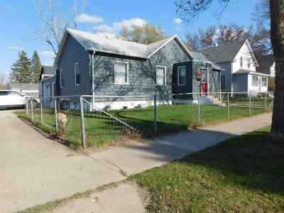 Single Family Home Contingent - Hi: 1303 Main St S