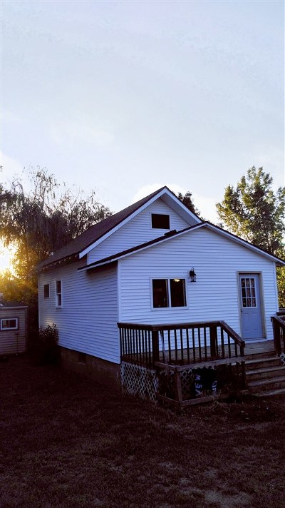 Single Family Home For Sale: 130 2nd St SW