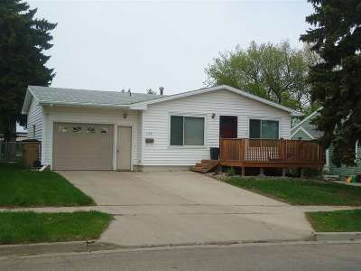 minot Single Family Home For Sale: 1108 SW 7th St