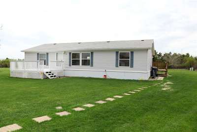 Minot Mobile Home For Sale: 800 31st Ave Lot 810 SE