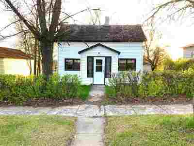 Single Family Home For Sale: 311 1st Ave NE