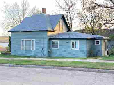 Single Family Home For Sale: 21 3rd St NE