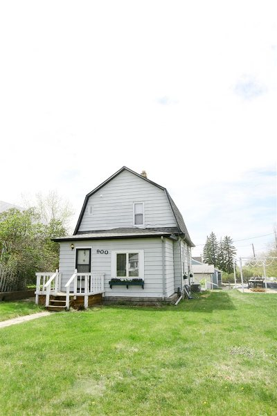 Minot Single Family Home For Sale: 900 3rd St SE