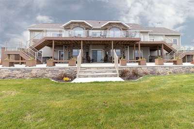 Single Family Home For Sale: 5701 Beulah Bay Rd