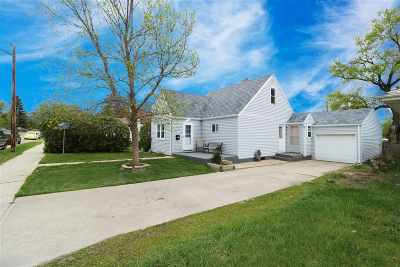 Minot ND Single Family Home For Sale: $145,000