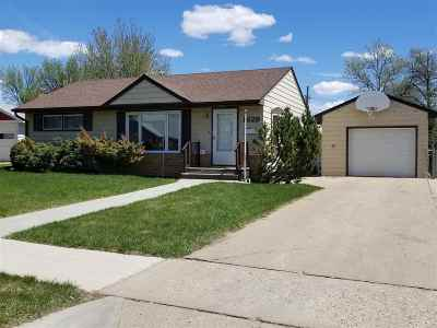 Minot Single Family Home For Sale: 1629 SW 6th Street