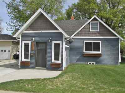Single Family Home For Sale: 110 10th St. SW