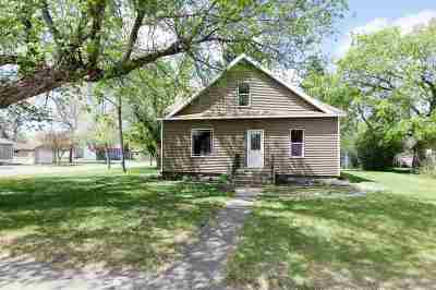 Single Family Home For Sale: 308 2nd St SW