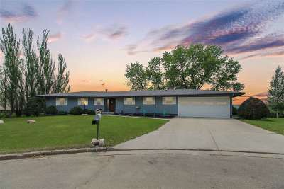 minot Single Family Home For Sale: 2515 NW Bel Air Court