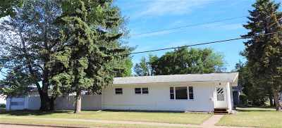 minot Single Family Home For Sale: 2 18th Ave SE