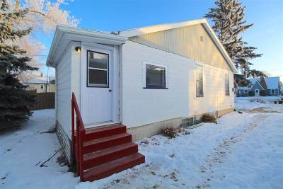 minot Single Family Home For Sale: 916 SE 3rd Steet