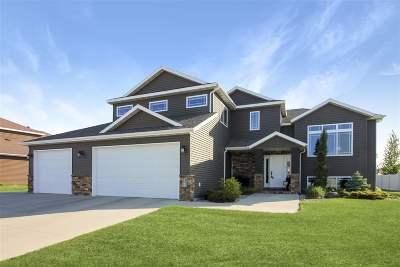 minot Single Family Home Contingent - Hi: 3308 Spruce Lane