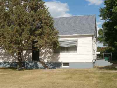 Bottineau County, Burke County, Divide County, McHenry County, McLean County, Mountrail County, Pierce County, Ramsey County, Renville County, Rolette County, Ward County, Wells County, Williams County Single Family Home For Sale: 108 NE 3rd Ave.
