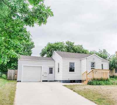 Bottineau County, Burke County, Divide County, McHenry County, McLean County, Mountrail County, Pierce County, Ramsey County, Renville County, Rolette County, Ward County, Wells County, Williams County Single Family Home Contingent - Hi: 1200 2nd St SE