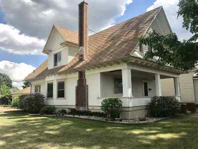 Bottineau County, Burke County, Divide County, McHenry County, McLean County, Mountrail County, Pierce County, Ramsey County, Renville County, Rolette County, Ward County, Wells County, Williams County Single Family Home For Sale: 426 NW 1st Street