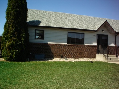 Minot ND Townhouse For Sale: $165,900