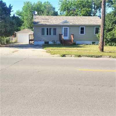 minot Single Family Home For Sale: 1221 NE Railway Ave