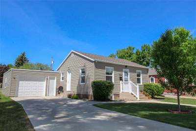 minot Single Family Home For Sale: 1318 S Main St