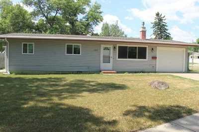 Bottineau County, Burke County, Divide County, McHenry County, McLean County, Mountrail County, Pierce County, Ramsey County, Renville County, Rolette County, Ward County, Wells County, Williams County Single Family Home For Sale: 100 19th St SE