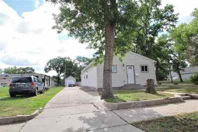 Bottineau County, Burke County, Divide County, McHenry County, McLean County, Mountrail County, Pierce County, Ramsey County, Renville County, Rolette County, Ward County, Wells County, Williams County Single Family Home For Sale: 600 4th St NW