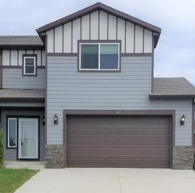 Bottineau County, Burke County, Divide County, McHenry County, McLean County, Mountrail County, Pierce County, Ramsey County, Renville County, Rolette County, Ward County, Wells County, Williams County Townhouse For Sale: 4007 SW Crossing Street SW