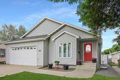 Bottineau County, Burke County, Divide County, McHenry County, McLean County, Mountrail County, Pierce County, Ramsey County, Renville County, Rolette County, Ward County, Wells County, Williams County Single Family Home For Sale: 1619 Main St. S