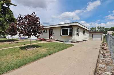 Minot Single Family Home For Sale: 1215 1st St SE