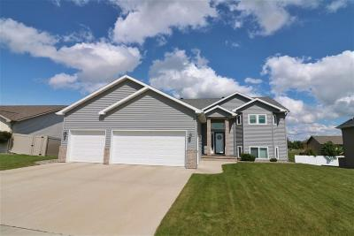 Minot Single Family Home For Sale: 3201 Woodside Drive SE