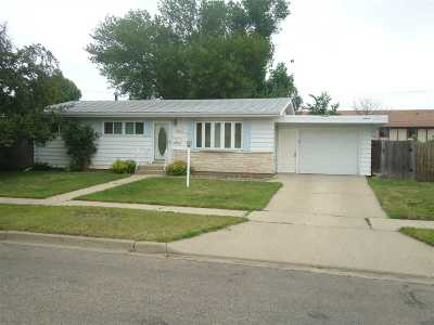 Minot Single Family Home For Sale: 1948 NW 3rd St