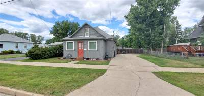 Minot Single Family Home For Sale: 817 6th Ave NE
