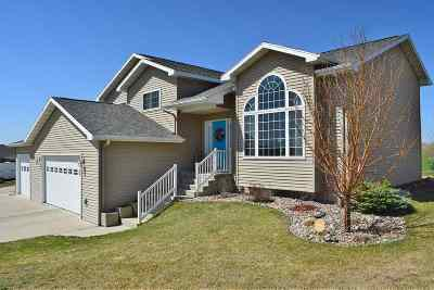 minot Single Family Home For Sale: 2704 NW 7th Ave