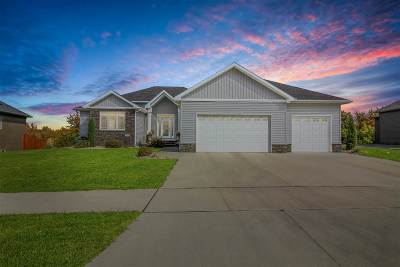Minot Single Family Home For Sale: 3311 Spruce Lane