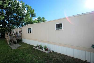 Minot Mobile Home Contingent - Hi: 3100 11th Ave SE