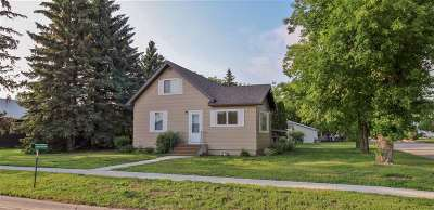 Velva Single Family Home For Sale: 9 2nd Avenue E