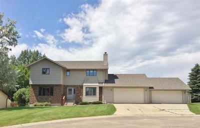 minot Single Family Home For Sale: 720 27th Court NW