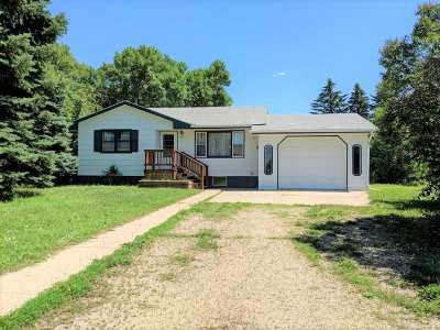 Kenmare ND Single Family Home For Sale: $110,000