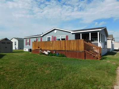 Minot Mobile Home For Sale: 706 Coneflower Dr SW