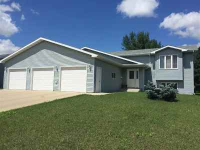 minot Single Family Home Contingent - Hi: 1208 SW 34th Ave.