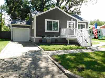 Minot Single Family Home For Sale: 813 4th Ave NW