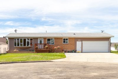 Minot Single Family Home For Sale: 105 NW 25th St.