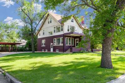 minot Single Family Home For Sale: 304 8th Ave SE