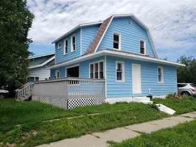 minot Single Family Home For Sale: 700 NE 6th St