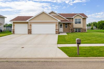 Minot Single Family Home For Sale: 2208 4th Ave SW