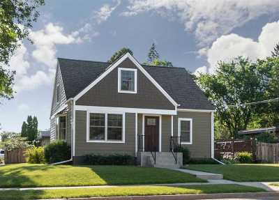 Minot Single Family Home For Sale: 701 11th St NW