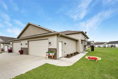 Minot Townhouse For Sale: 103 Mulberry Loop
